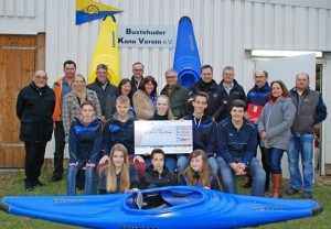 Freude bei Sponsoren und Mitgliedern über das neue Angebot Kanu-Polo. Schwartau